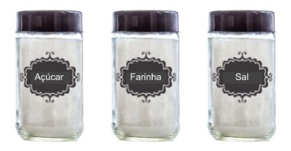 Imagem de potes identificados: açucar, farinha e sal.